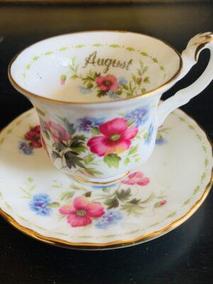 Augusti månads minikopp från Royal Albert