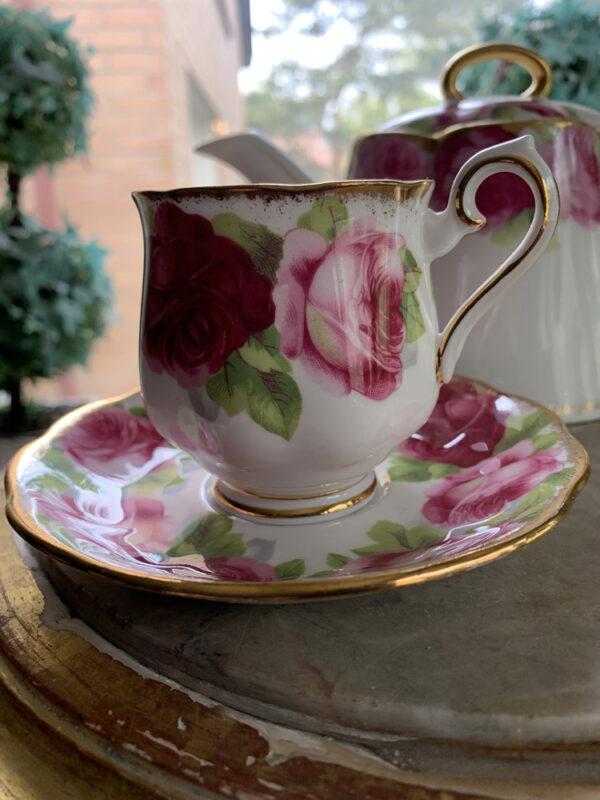 kaffekopp-fran-royal-albert-old-english -rose