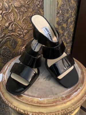 sandalett-fran-guy-laroche